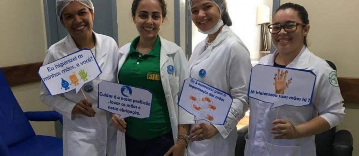 Alunas de Enfermagem da FIC promovem dinâmica alusiva ao Dia Mundial de Higienização das Mãos