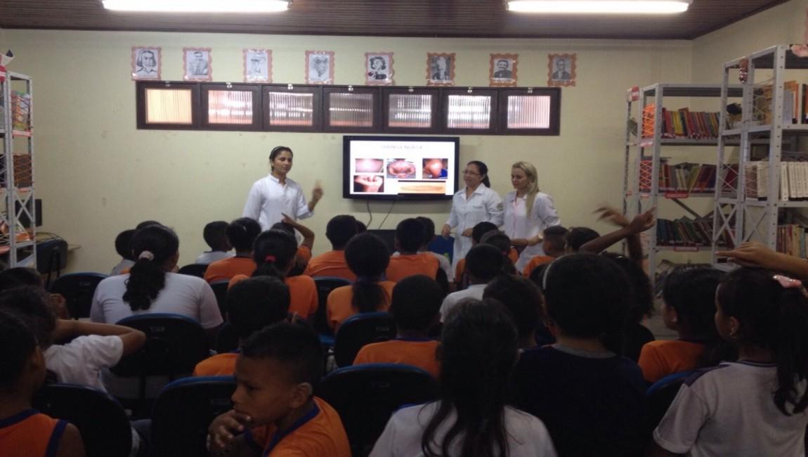 Curso de Enfermagem da Esamaz realiza ação em escolas de Belém